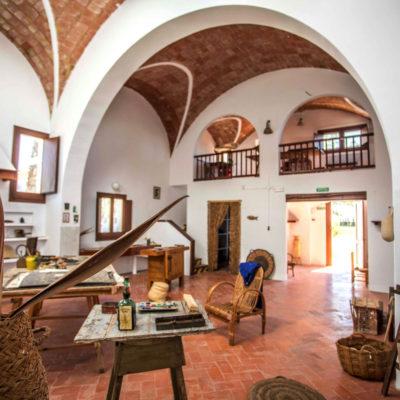 Gaudí, Picasso, Miró i Casals en una targeta